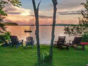 Pet-friendly accommodation in Manitoulin Island,   Ontario: Viva Villa