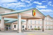 Pet-friendly accommodation in Swan River,   Manitoba: Super 8 Motel