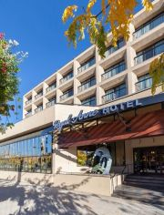 Pets allowed! Royal Anne Hotel is a pet-friendly lodging / accommodation in Kelowna.